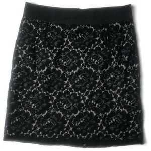 H&M Lace Lined Elastic Waistband Skirt